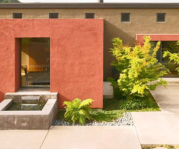 The stucco siding really adds some great texture to this house.