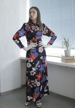 VINTAGE 70'S MAXI BLACK FLOWER PRINT LONG SLEEVES DRESS