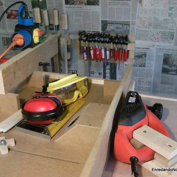 How to make a homemade jointer from a hand held electric planer. This do it yourself jointer is easier to use to joint boards than the hand held planer