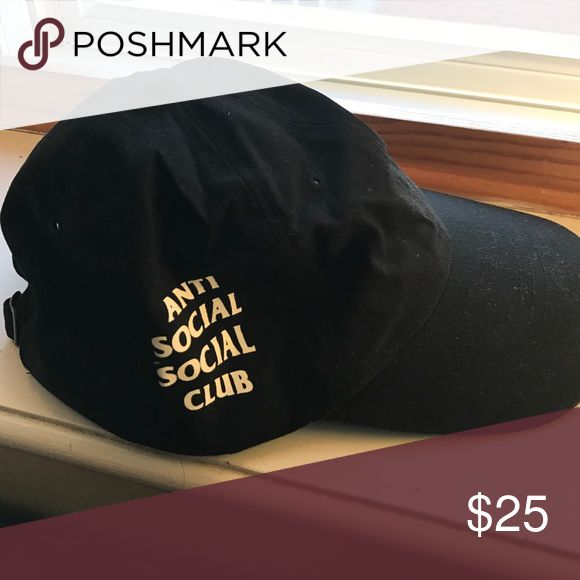 Antisocial Social Club hat Brand new. Not sure if it is authentic since I baught it from a third party website and not the anti social social club website.  Still is an exact replica and looks really cute on. Anti social social club Accessories Hats