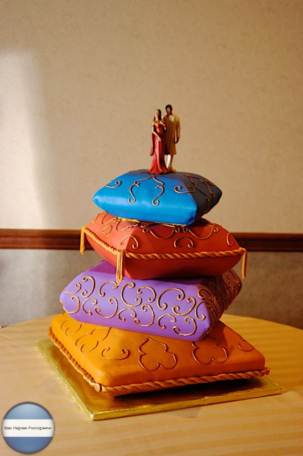 indian pillow wedding cake 43 best images about decorative pillow cakes on 16405