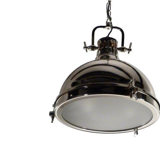 Lampa Loft Berlin oferuje nowoczesną sylwetkę i eleganckie chromowe wykończenie, które będzie oświetlać twoją kuchnię lub miejsca pracy. W swojej stylizacji nawiązuje do starodawnych lamp na statkach  ...