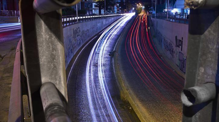 Νυχτερινοί χείμαρροι :: left.gr  Νυχτερινοί χείμαρροι  Φωτογραφία-κείμενο: Άγγελος Καλοδούκας - See more at: http://left.gr/news/nyhterinoi-heimarroi#sthash.22dafRtB.DeuDXCFE.dpuf