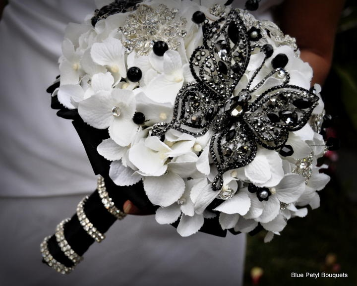 "Papillon Noir ""Black Butterfly"" bouquet by Blue Petyl  #wedding #bouquet #brooch"