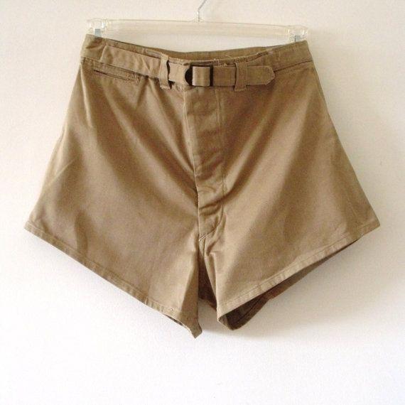 370.88 kr. 1960s Mens USN Navy Military Khaki Short Shorts by Vintagedustshop