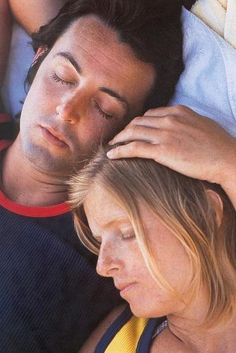 Paul and Linda McCartney.  Love made in heaven.  And ultra-talented, both of them (She was the former Linda Eastman, of Eastman-Kodak). <3