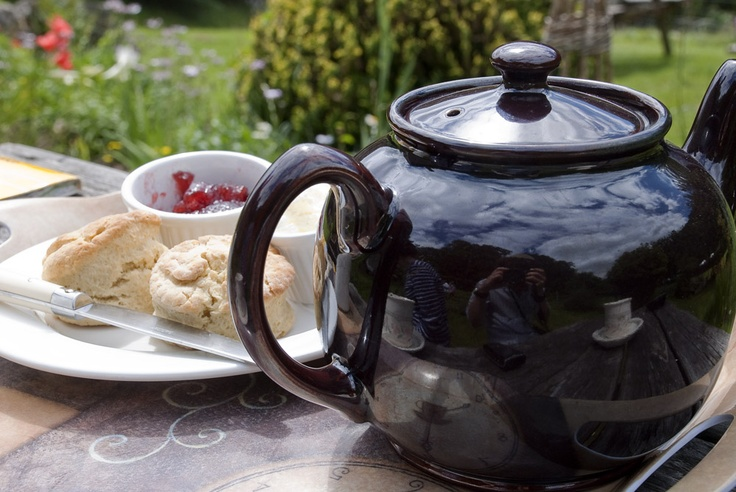 Brown Betty teapot and scones in a country garden.  CREAM TEAS & THE ENGLISH COUNTRY GARDEN!!