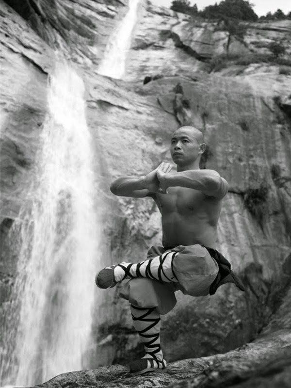 El Kungfu Shaolin practicado por los monjes del monasterio de Shaolin lleva las artes marciales a un nuevo nivel.