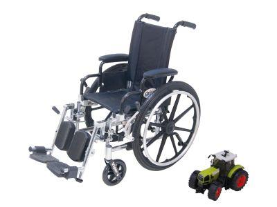#Kinderrolstoel Viper- S Art. nr.: L412DDA-ELR  De kinderrolstoel ideaal voor kortdurig gebruik  Ideale kinderrolstoel voor kortdurig gebruik Licht, smal en wendbaar In 2 zitbreedte leverbaar: 30,5 en 35,5 cm Verschillende aanpassingen mogelijk Beiden voetsteunen zijn eenvoudig afneembaar of wegzwenkbaar. De armleggers hebben een zachte bekleding en zijn wegklapbaar De VIPER is eenvoudig op te vouwen en kan meegenomen worden in de auto