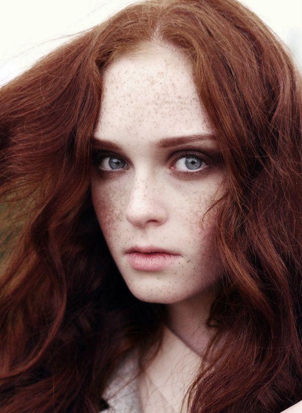 Lithuanian redhair model Viktorija Vilkelytė editorial for MOTERIS magazine. RUTA model management, www.rutamodel.com