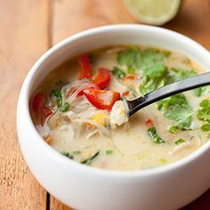 Tajska zupa curry z kurczakiem, papryką, pieczarkami i kukurydzą | Blog | Kwestia Smaku