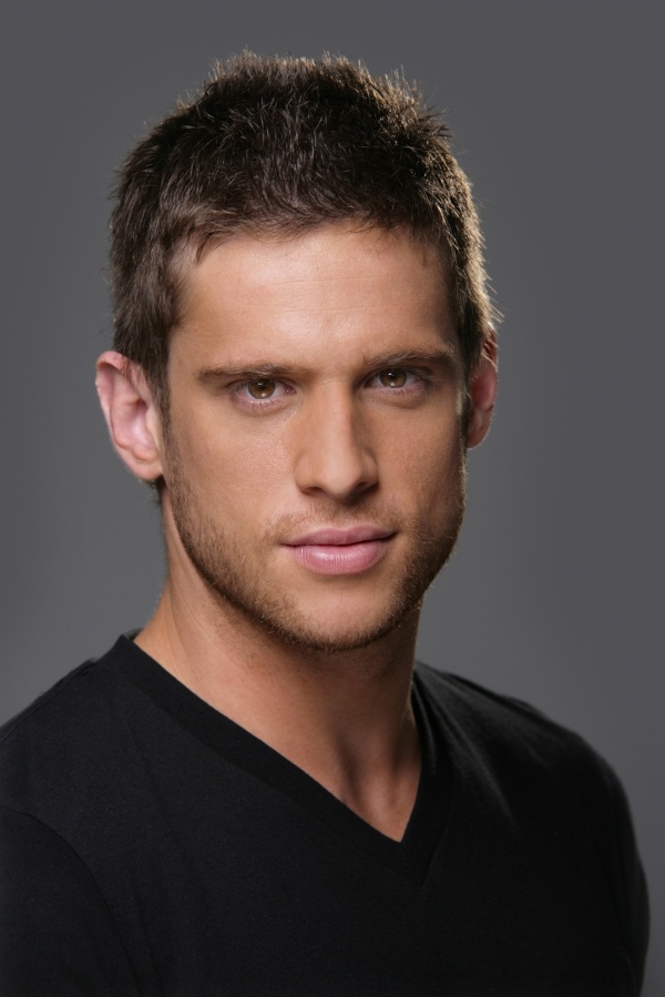 Dan Ewing (Heath Braxton)
