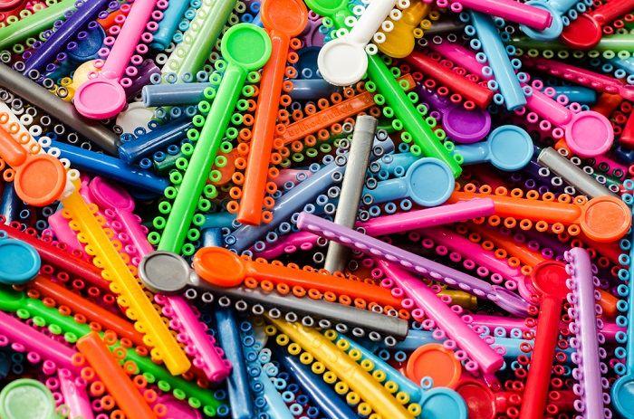 ligas de colores para brackets