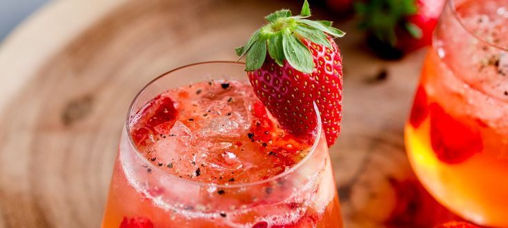 Sweet strawberries, fragrant gin and fiery pepper. This Strawberry and Black Pepper Gin and Tonic is a different and delicious way to enjoy your Gin and Tonic. It is no secret that I love a good gin and tonic on a Friday night. Sitting outside watching the sun set and relaxing with a drink. Or...Read More