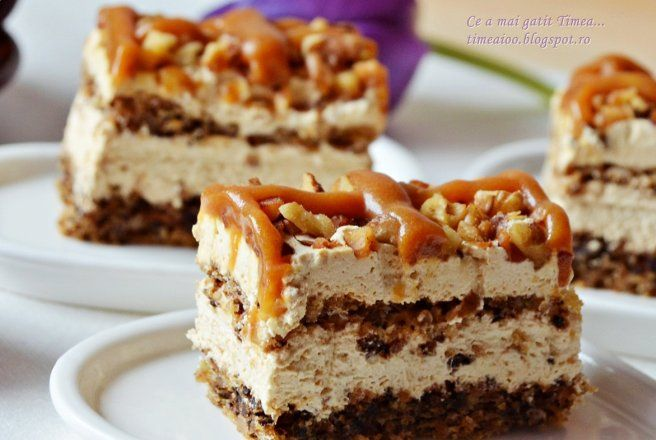 Retete Culinare - Prajitura deliciu cu nuca si caramel