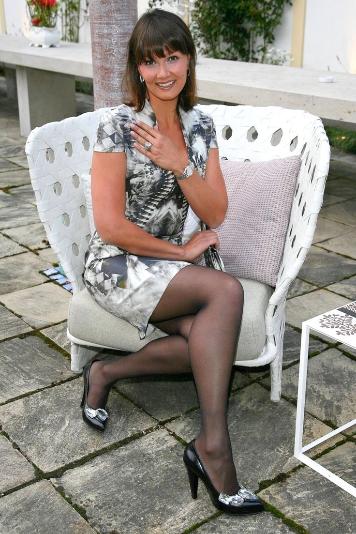 Elegant older ladies upskirt