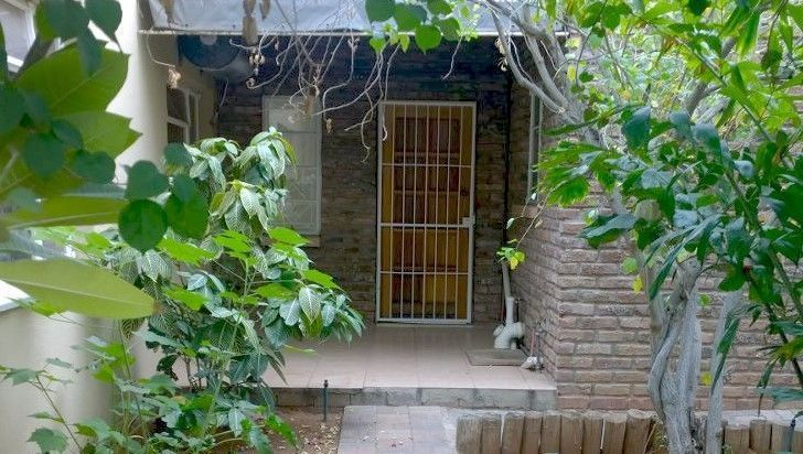 Bachelors flat (studio) for rent in town Upington (Die Rand), close to the…