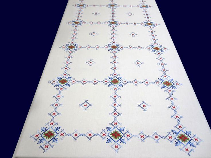 Las 25 mejores ideas sobre dise os de arte bordados a for Manteles mesas grandes