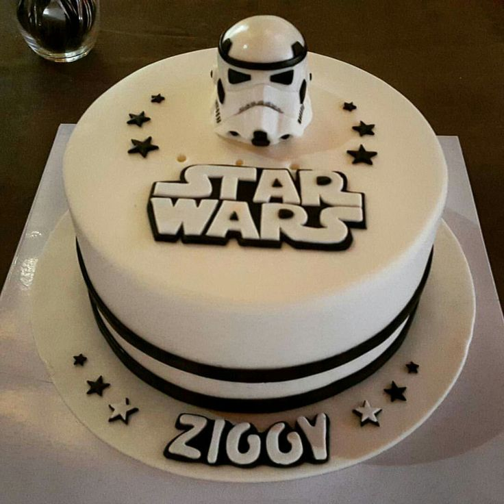 star wars stormtrooper cake anniversaire pinterest anniversaires theme star wars et g teau. Black Bedroom Furniture Sets. Home Design Ideas
