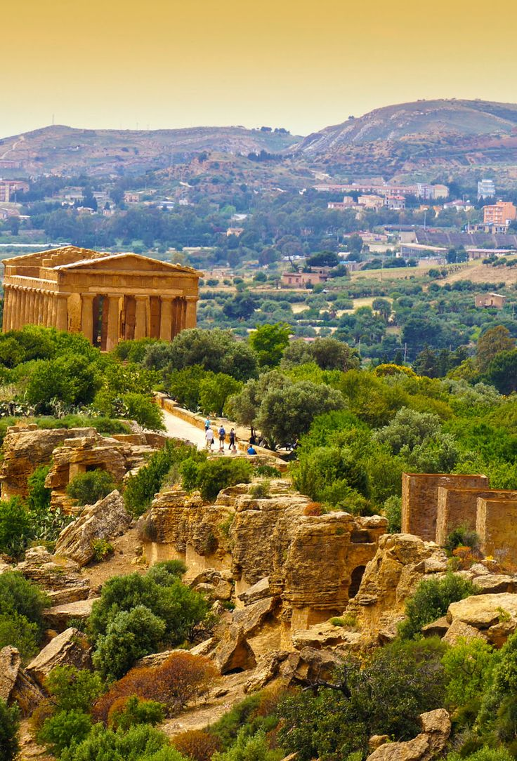 Sunset in Temple of Concordia - Valley of the Temples, Agrigento, Sicily, Italy   |  45 Reasons why Italy is One of the most Visited Countries in the World