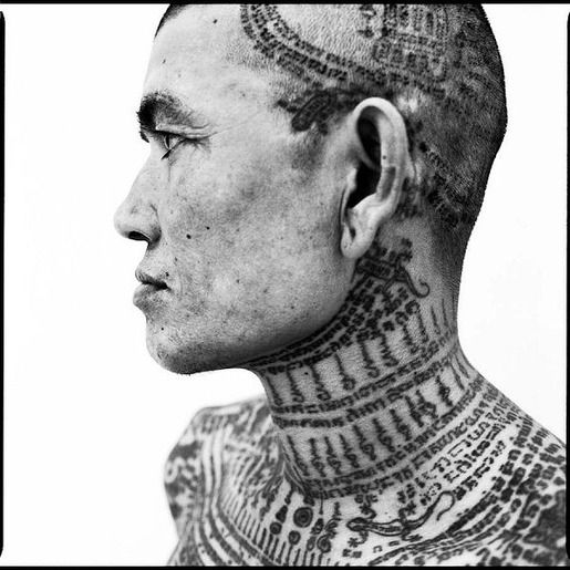 SACRED INK : セドリック・アーノルド(http://www.cedricarnold.com/) - タイ伝統の『ヤントラ』タトゥー