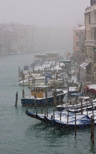 Snow in Venice, Italy | Flickr - Photo by mesebar2