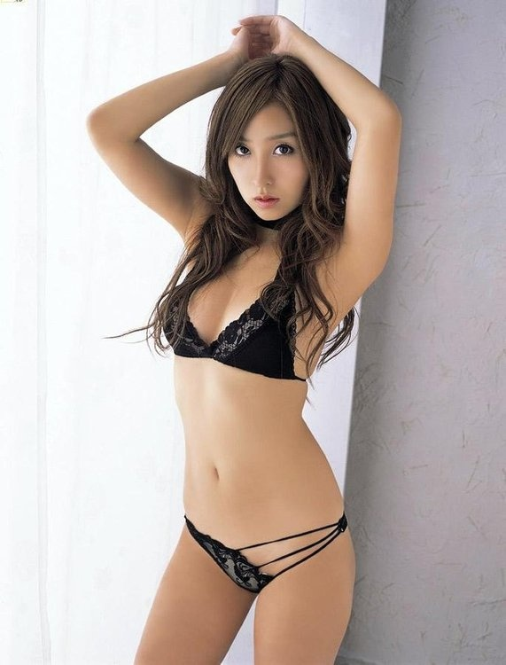 Sexyasian girl in panties