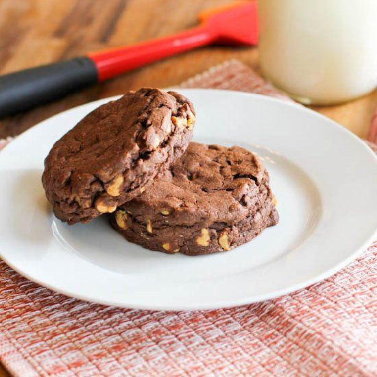 Giant Dark Chocolate Cookies with Peanut Butter Chips. Inspired by the ...