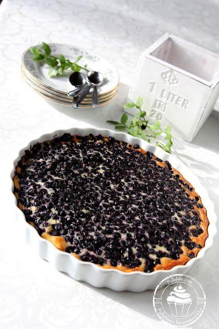Pullahiiren leivontanurkka: Mustikkapiirakka ranskankermatäytteellä