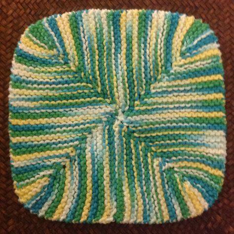Pano de Prato de 4 Cantos por Abigail-1870pearl - Free Knitted Pattern - (ravelry)