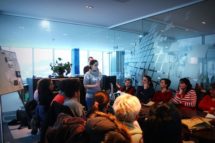 În aceste momente la Navigator Software se desfășoară școlarizarea lucrătorilor comerciali cu ajutorul colegilor Erika și Zsolt.