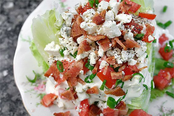 CPK Style Bacon and Blue Cheese Salad (Shredded Romaine, Crisp Bacon, Blue Cheese Crumbles, Diced Tomatoes, Green Onions, Diced Red Onions, Diced Jicama, Finely Chopped Fresh Parsley, Ranch Dressing or Blue Cheese Dressing) [Made March 7, 2013]