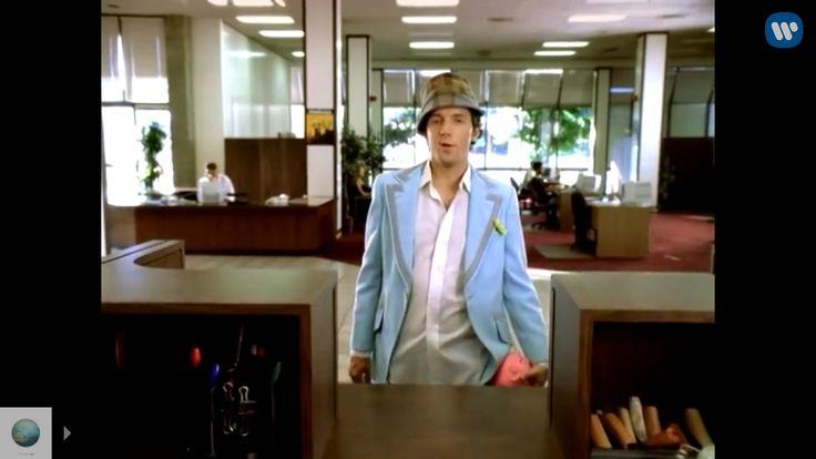 Mraz suit