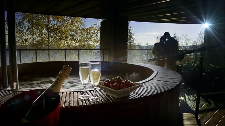 Enjoy romantic breaks away for two on the shores of Lough Ree at Hodson Retreat, designed exclusively for our adult guests...http://www.hodsonbayhotel.com/romantic-break.html