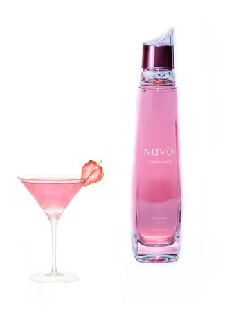 Mama Fashionista: I Know What I'm Drinking This Weekend! Nuvo Sparkling Liqueur