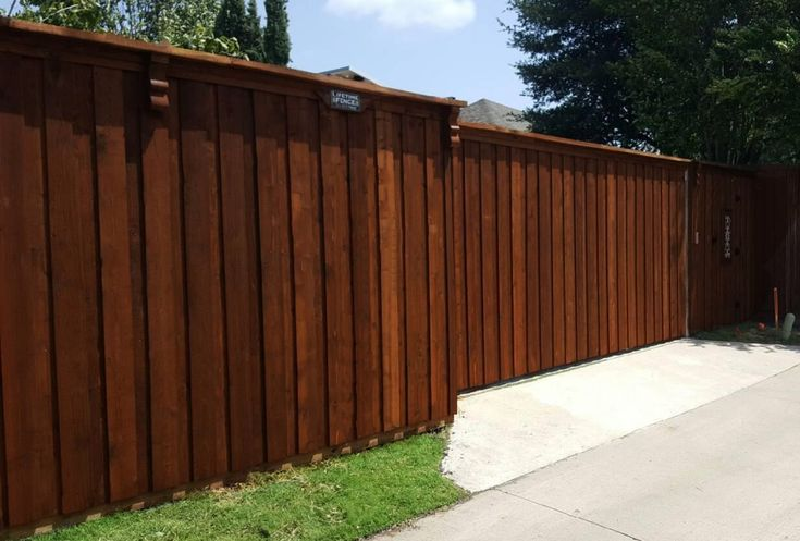 Best 25 automatic driveway gates ideas only on pinterest for Motorized driveway gate price