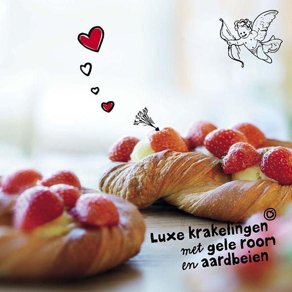 Verover hem met verleidelijk rood  #valentijn #verleiding #passie #koek #aardbeien