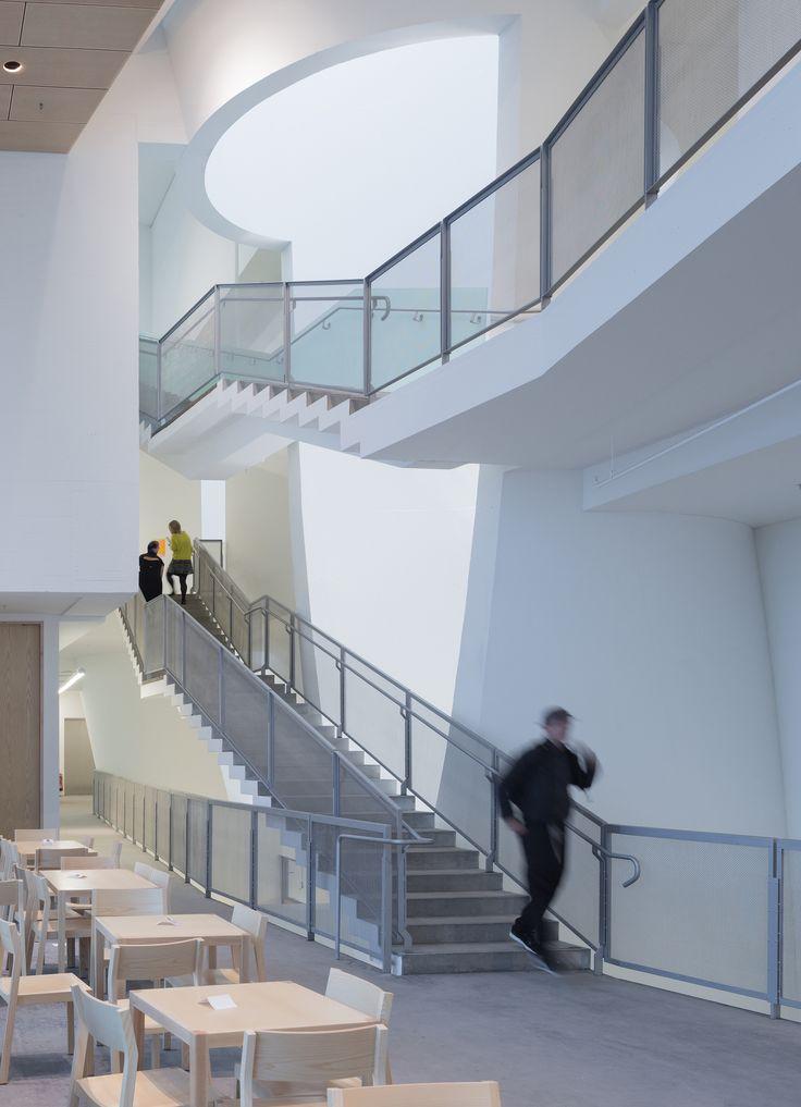 Edificio Seona Reid / Steven Holl Architects