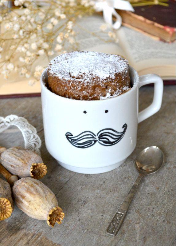 Una ricetta semplice e veloce per preparare la mug cake al caffè. Scopri nel blog come fare il dolce in tazza in due minuti, perfetto da gustare a colazione