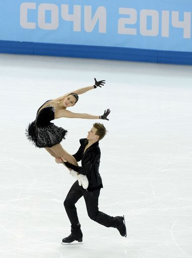 Elena Ilinykh and Nikita Katsalapov (RUS) perform in the team ice dance free dance.  My favorite Figure Skating Duo This Olympics! -M