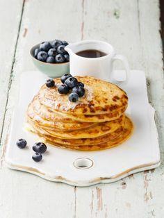 Pfannkuchen ohne Kohlenhydrate - und nur mit zwei Zutaten! So genial! Hier gibt's das Rezept für PALEO PANCAKES!