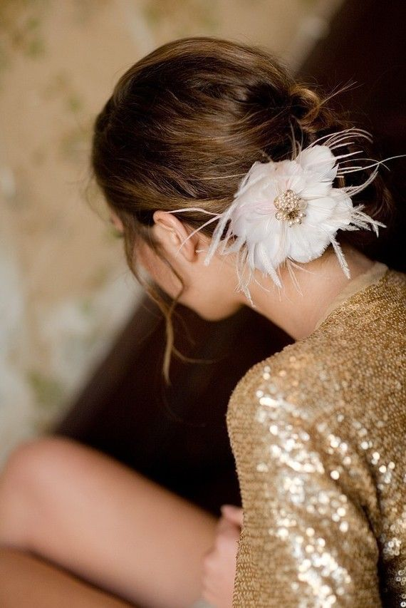 might have to many spikes for my taste but otherwise love it: Flowers Pin, Hair Flowers, Bridesmaid Hair, Romantic Hair, Hair Pieces, Messy Buns Hairstyles, Flowers Updo, Ana Rosa, Hair Accessories