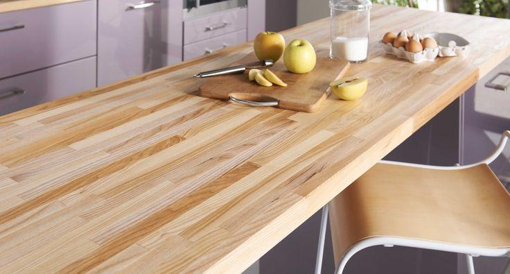 Optez pour un plan de travail résistant avec le plan frêne lamellé d'épaisseur 38 mm, en bois certifié PEFC.