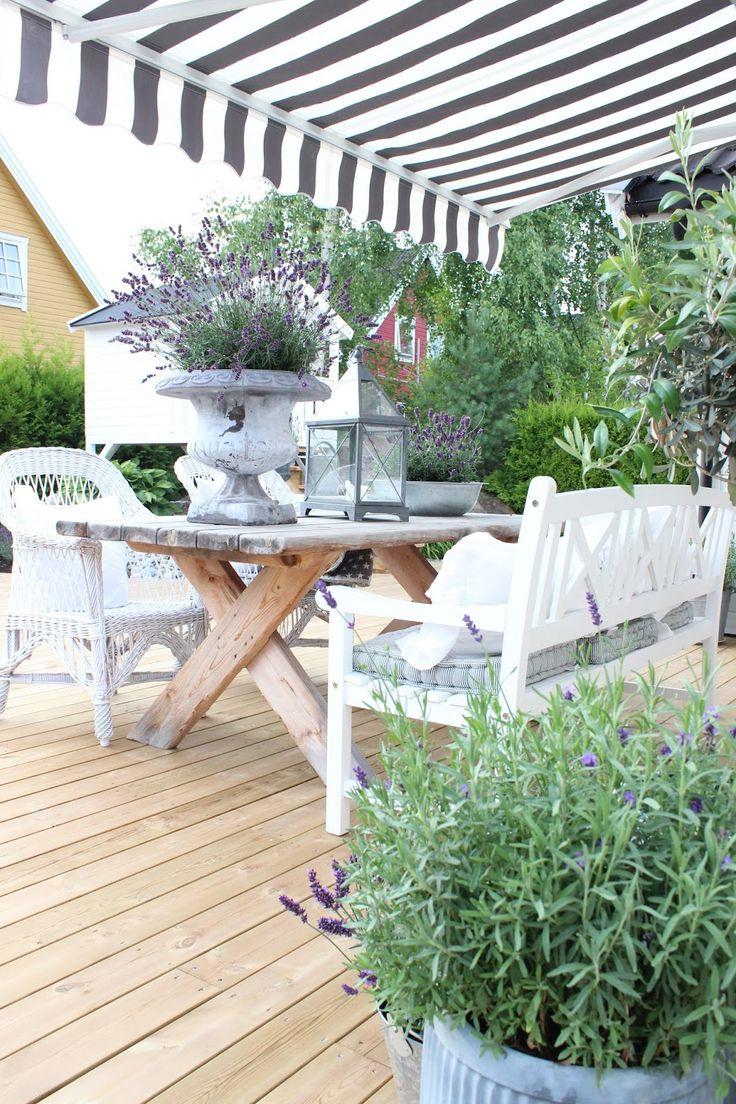 Oltre 25 fantastiche idee su portico shabby chic su for Micro costruttori di cottage