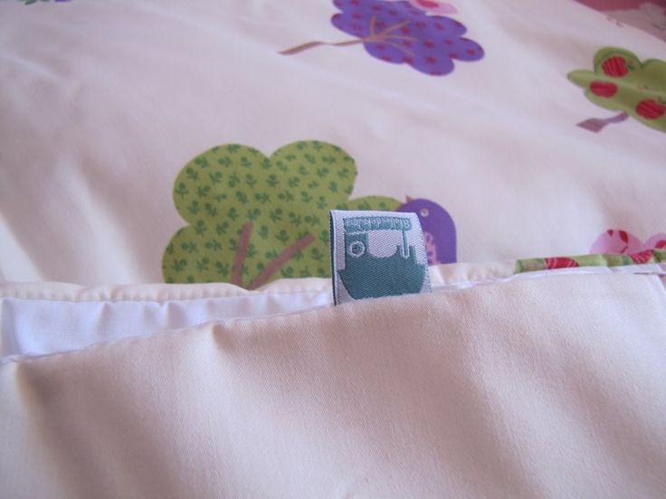 Cobertor con Arbolitos para Niña. Soooo Cute !!!!!