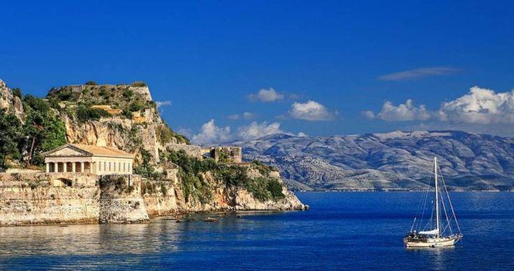 Consejos para un crucero por el Mediterráneo  En la imagen, la Isla de Corfú, la cual se puede visitar con un cruceros por las Islas Griegas  http://www.crucerista.net/blog/consejos-para-un-crucero-por-el-mediterraneo
