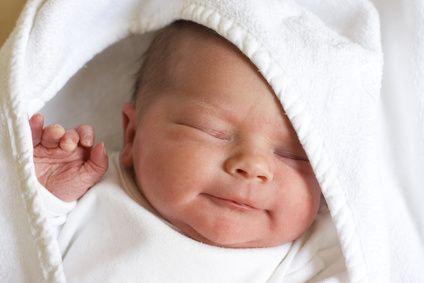 El momento del baño del #bebe : un momento ideal para compartir en familia #bebedeparis #bebes #consejosreciennacido #banodelbebe #cosmeticainfantil