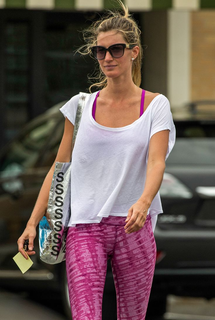 Gisele Bündchen and the Art of the Perfect Summer Ponytail