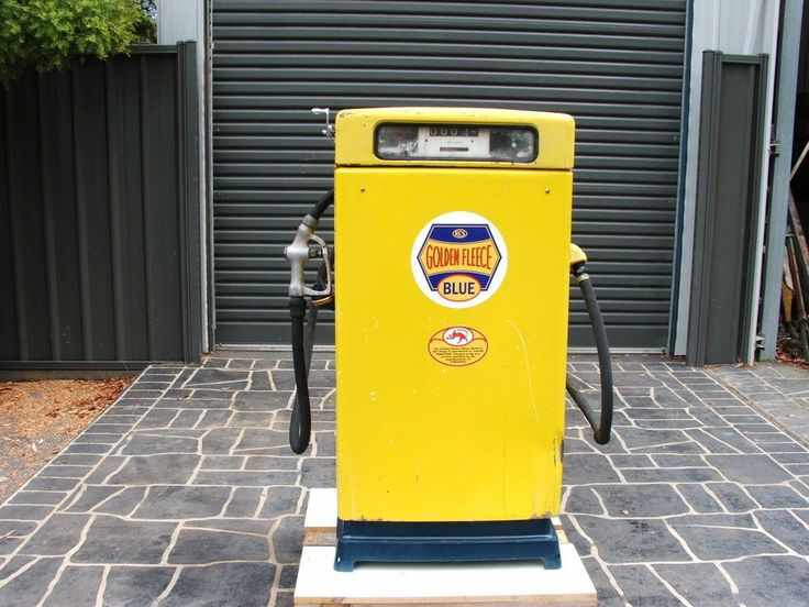 OLD SMALL WAYNE GOLDEN FLEECE PETROL BOWSER COMPLETE, GREAT COLLECTABLE ITEM