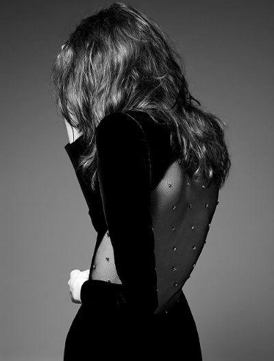 Le faux dos nu Saint Laurent Paris, ou la sensualité à l'état pur